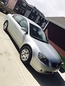 2005 Nissan Altima in very good condition