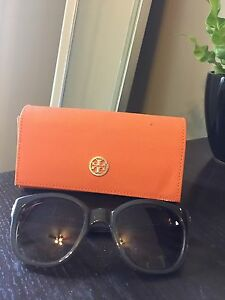 TORY BURCH SUNGLASSES - green