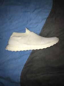 WANT GONE- Laceless Ultraboost size 11