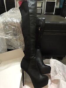 Zu thigh high Pump boots size 9/5 boots West Tamworth Tamworth City Preview