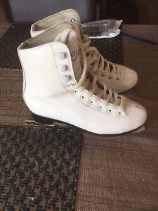 Girls Ice Skates Oakhurst Blacktown Area Preview