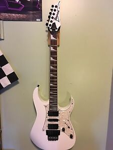 Ibanez RG 350DX with ibanez moulded case