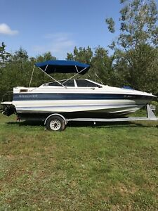 21 ft Bayliner Capri Bowrider