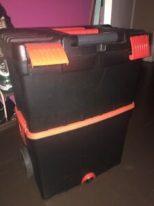 Stackable tool box