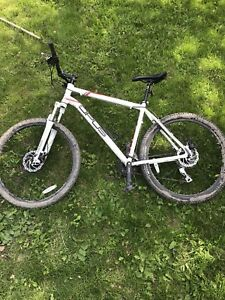 Xl opus mountain bike