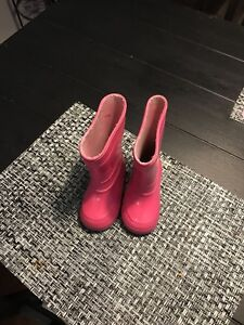 Good condition toddler size 4 gum boots