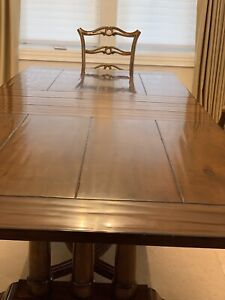Gorgeous Dining Room Table with 6 Chairs in Niagara Falls