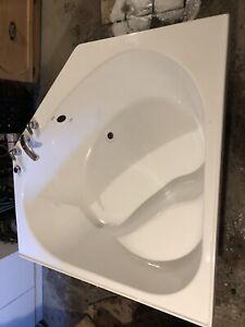 Baignoire jamais installé avec robinetterie à bon prix