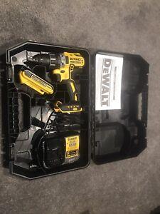 DeWalt Warrantied Drill, Battery, Case, Charger Kit