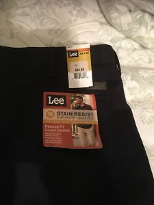 Men's Lee Jeans never worn 38x 30 stain and wrinkle resistant
