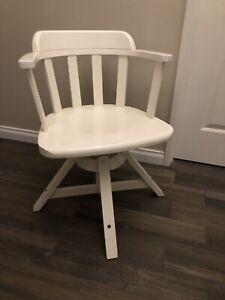 Hampton's Style Swivel Desk Chair