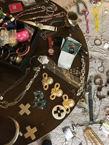 Costume jewellery lot