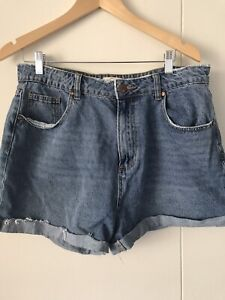 Shorts size 16 $7 Potts Point Inner Sydney Preview