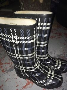 Rubber boots women's size 5
