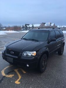 2007 Ford Escape  AWD fully loaded