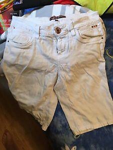 Deux paires de culottes courtes