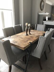 Like Brand New Artemano Dining Table