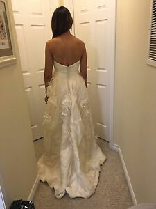 MCCAFFREY Original Wedding Dress - Never worn