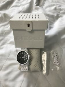 Diesel Men's Sport Watch (COMES WITH EXTRA LINKS)