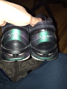 Kobe 7 invisibility cloaks sz 10. Meetups and Cash only
