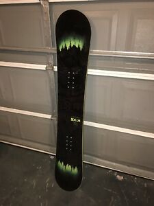 Snowboard and bindings never used
