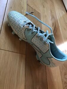 Under Armour Ladies Soccer Cleats