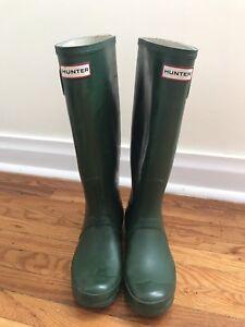 Hunter classic tall rain boot, Size 7