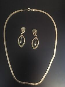Gold necklace and earring set - costume jewellery