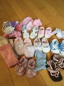 Souliers, bas 3 mois bébé fille