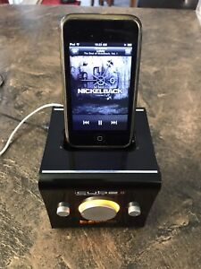 Apple iPod Touch Gen 2 with Cube II speaker & dock