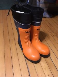 Viking chainsaw boots size 10