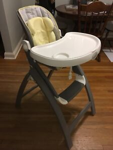 BRAND NEW SUMMER INFANT HIGH CHAIR