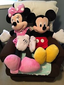 Giant Mickey and Minnie plush toys