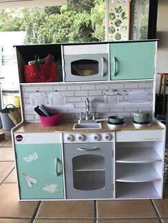 Kitchen and doll house Plum Play Australia