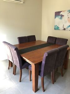 8 setter dining table