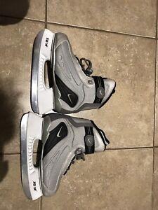 Patin à glace Nike grand 4 pour enfant