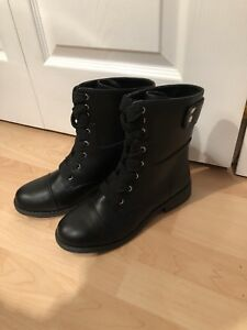 Spring combat boots size 8
