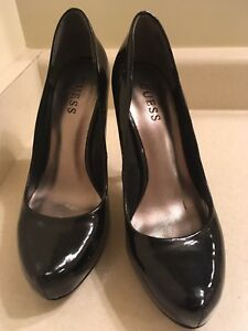 Guess pumps in good used condition size  7.5