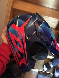 Fox V1 dirtbiking helmet