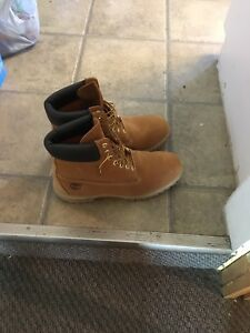 Almost new timberland boots