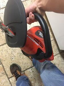 Black and decker Hedge trimmer LIKE NEW