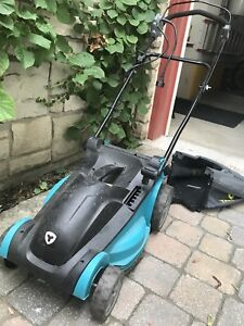 YARDWORKS 10A Electric LawnMower, 14""