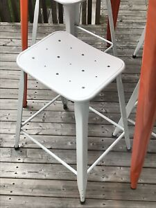 Metal Indoor/Outdoor Counter Stool