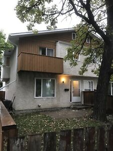 3BR TownHouse - Old St. Vital / St. Boniface - Immediate Avail.