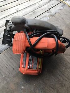 Black and deck saw