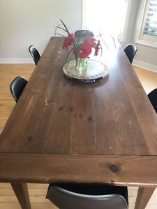 Rustic Pine Dining / Kitchen Table & Chairs