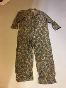 Men's 2XL hunter's coveralls.