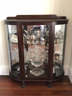 Antiques cabinet, crystal and silverware