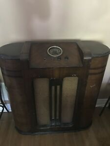Antique Jackson Bell radio