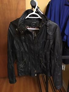 Le Chateau black pleather ruffle like jacket with hood in Small